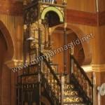 Mimbar Masjid Mewah Motif Emas