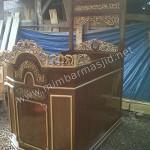Mimbar Masjid Ukir Finishing Kombinasi Emas