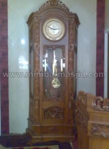 Furniture Masjid Kayu Jati Jam Hias Ukir Gebyok